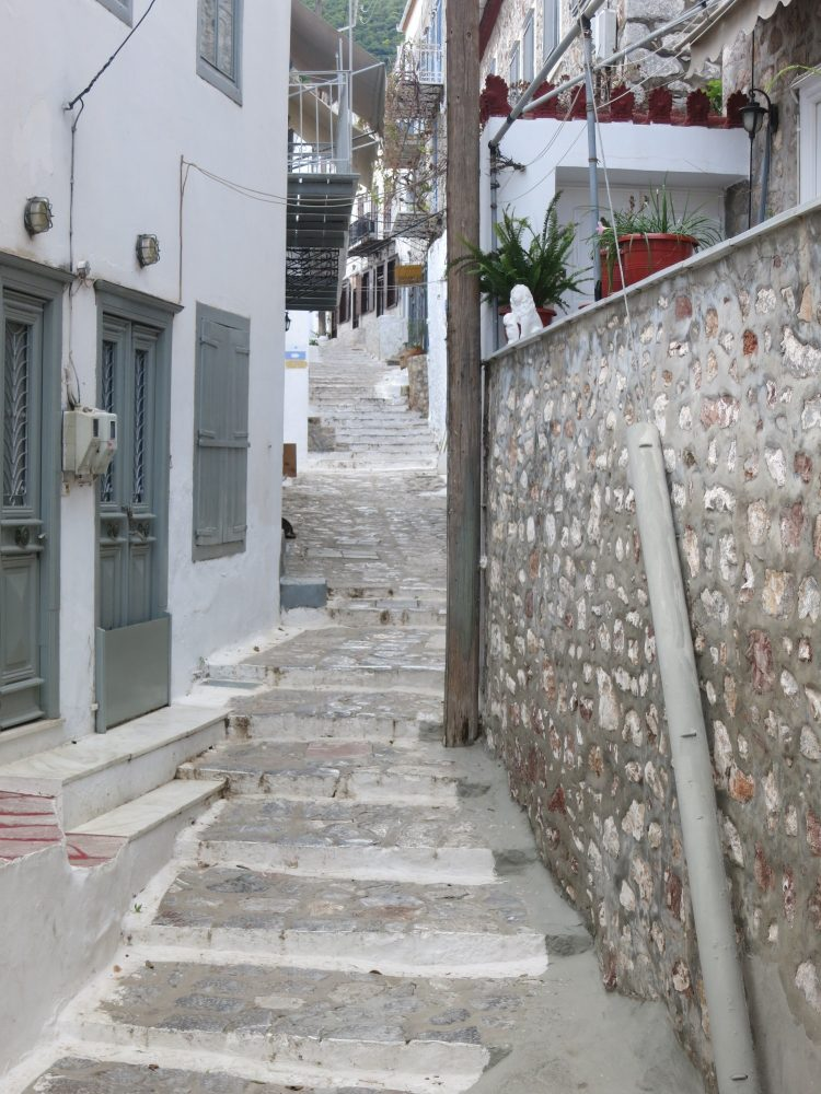 The stairs of Hydra beckon!