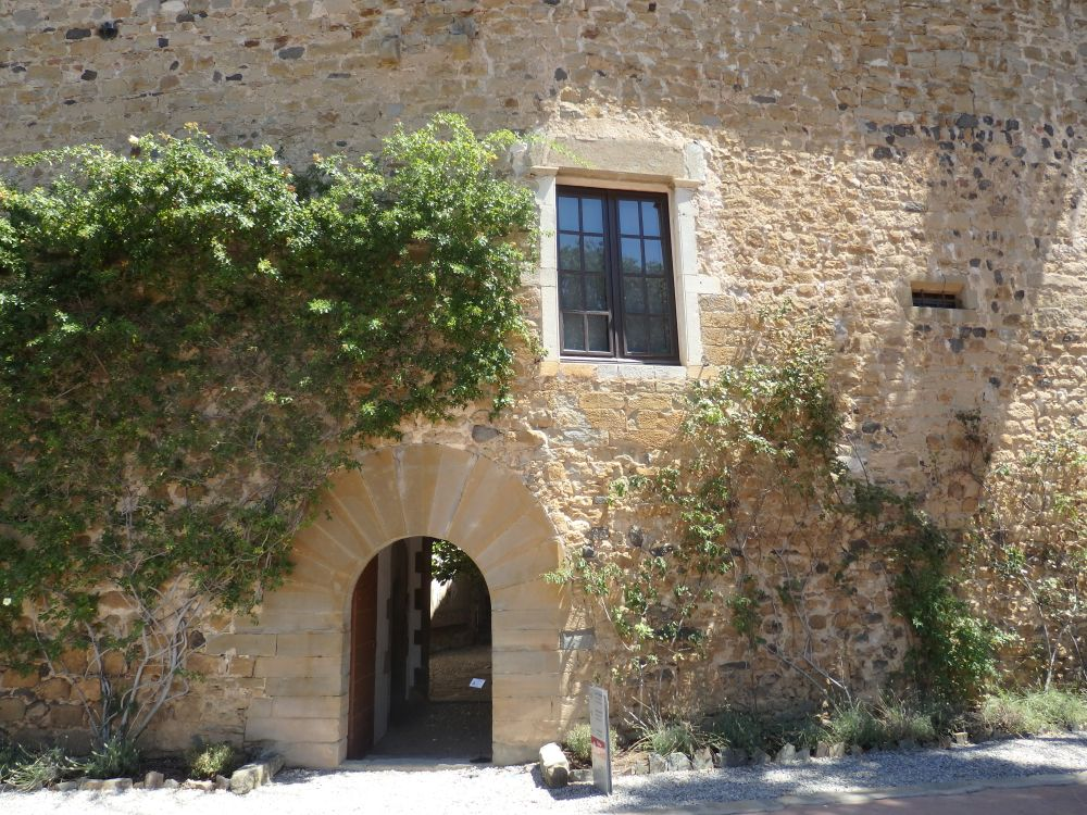 The unassuming entrance to Gala Dali Castle.