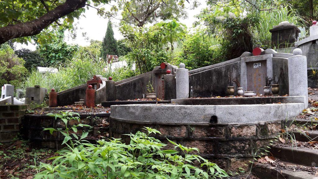 graves on Lamma Island