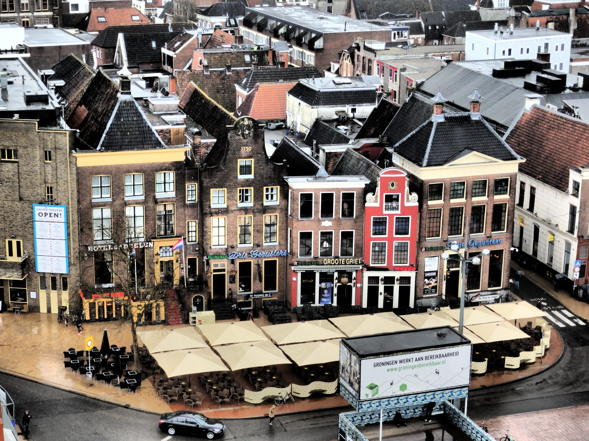 Buildings on the Grote Markt that survived the war. Those are sidewalk cafe tables in front.