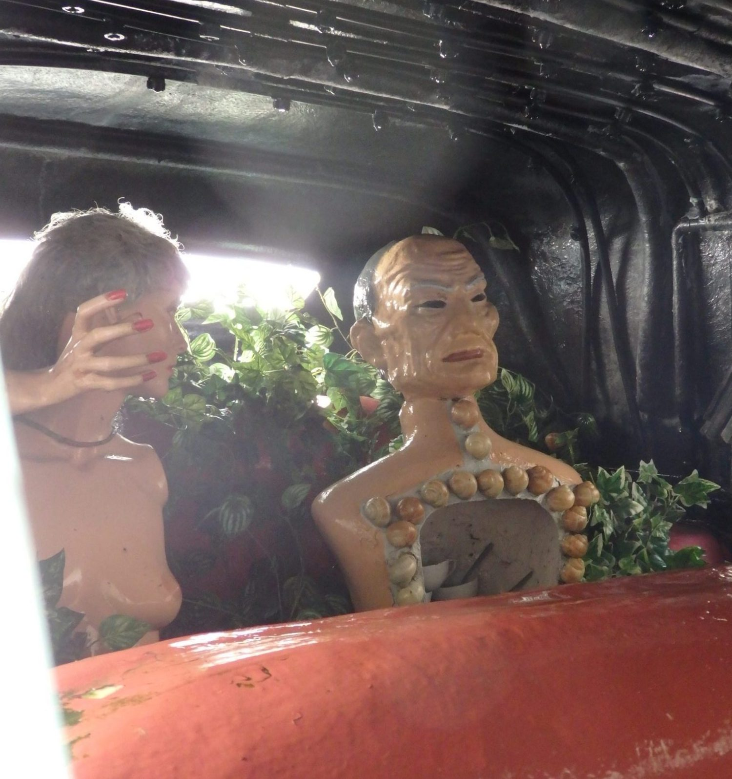 the passengers in the car in the Dali Theatre-Museum