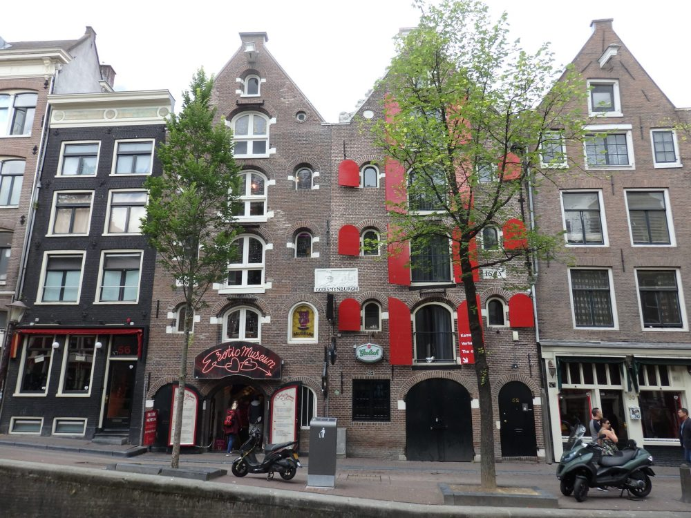 The Erotic Museum Amsterdam is in the red-light district, in a building that served originally as a warehouse and was built in 1685.