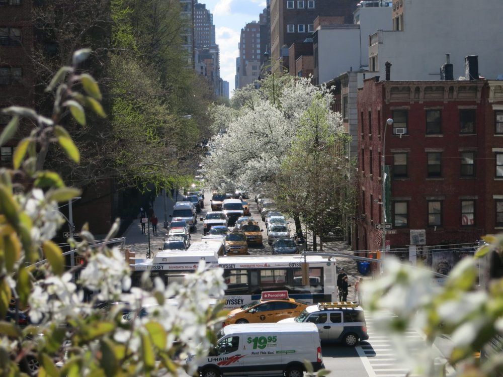 New York City traffic in the springtime, as seen from High Line Park: 25 real tips for women traveling alone