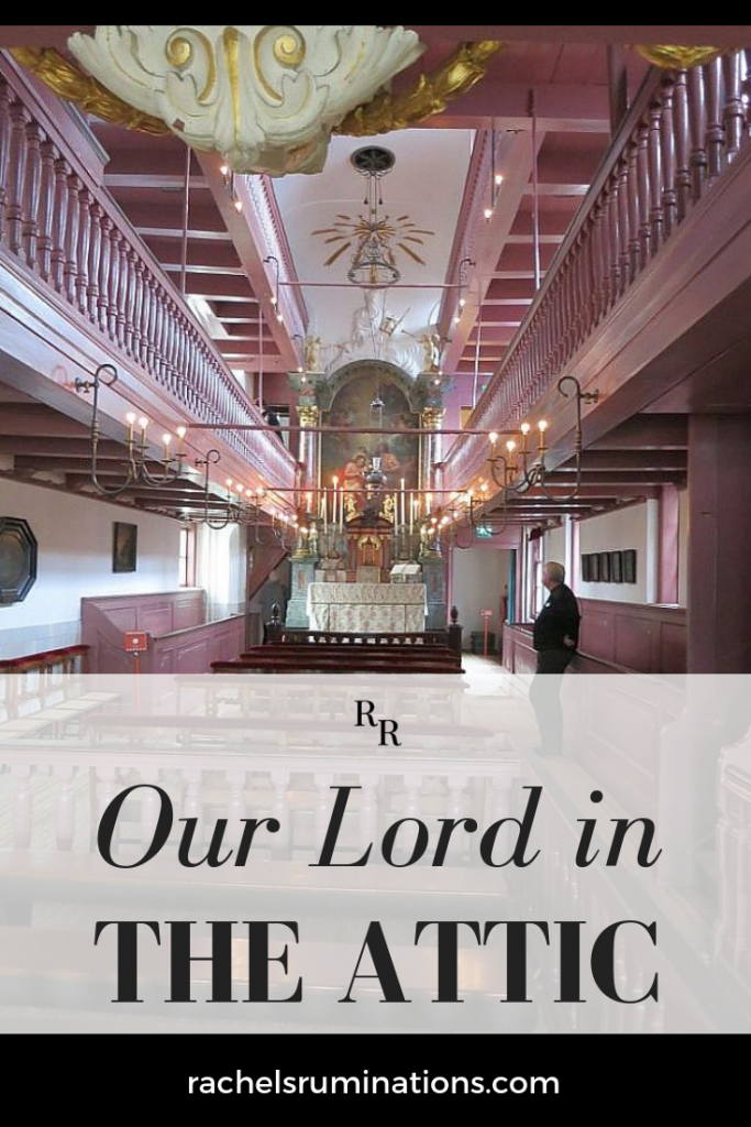 In this Amsterdam museum, you can visit a secret church, hidden in the attic of a Golden Age house when the Reformation didn't allow Catholics to practice their faith openly. Click to read about this lovely church! #amsterdam #museum #onslieveheer #ourlordintheattic